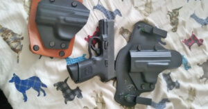 #DIGTHERIG – Matt and his FN FNS 40 Compact in an Alien Gear Holster