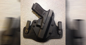 #DIGTHERIG – Sam and his Glock 17, 22 or 20 in a Techna Clip, Alien Gear Cloak Tuck 3.0, or Custom OWB Kydex