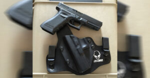 #DIGTHERIG – Daniel and his Glock 22 RTF in an Alien Gear Holster