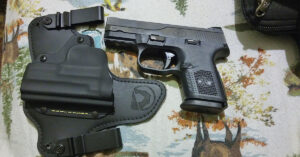 #DIGTHERIG – Jerry and his FN FNS 9c in a Black Arch ACE-1 GEN 2 Holster