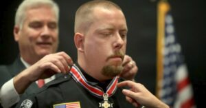 Concealed Carry Instructor Who Stopped Mall Attack Gets Congressional Badge of Bravery