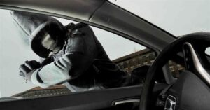 Car Burglar Accidentally Engages in Running Gun Battle With Federal Agent