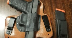 #DIGTHERIG – Thomas and his Glock 20 in a Vedder Holster
