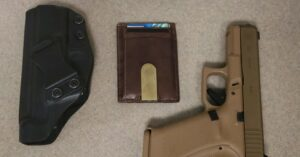 #DIGTHERIG – Brandon and his Glock 19X in a Clinger Holster