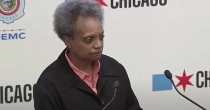 Chicago Mayor Tells Residents Not To Use Guns, Call 911 Instead