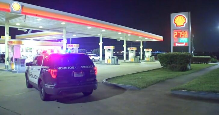 Man Shot In The Face By Concealed Carrier After Failed Armed Robbery Attempt At Gas Station